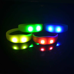 Blauwe LED armband (reageert op geluid)